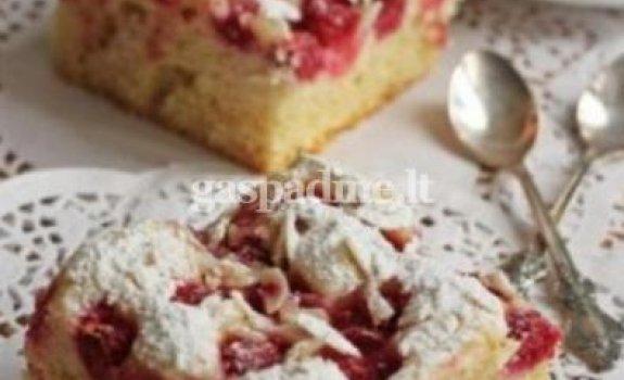 Aviečių pyragas