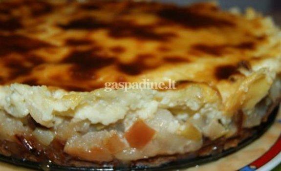 Pyragas su kremu