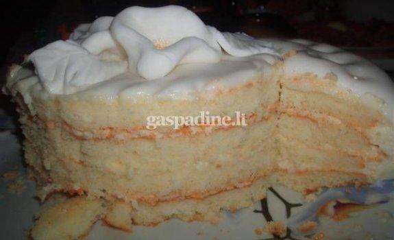 Tortas su obuoliniu kremu