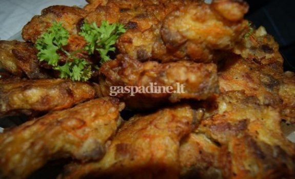 Vištienos kepsneliai su tarkuotomis morkomis