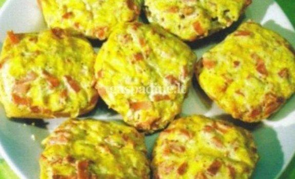 Karšti sumuštiniai su virtomis MAMOS dešrelėmis