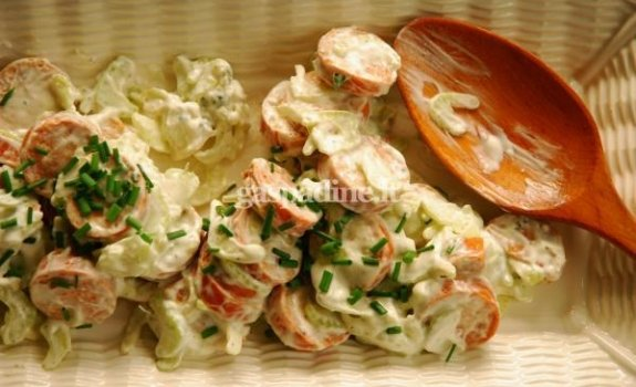 Dešrelių salotos