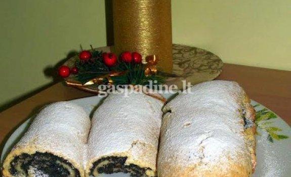 Trapus šlapias aguonų pyragas