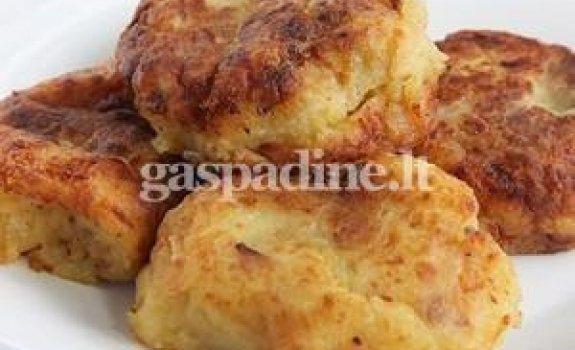 Virtų bulvių blynai su įdaru