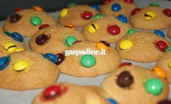 Sausainiai su saldainukais