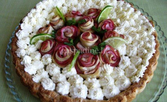 Pyragas su obuoliais ir maskarponiniu kremu
