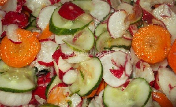 Vasariškas saldžiaūgštis daržovių miksas