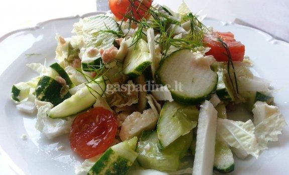 Vasariškos tuno salotos