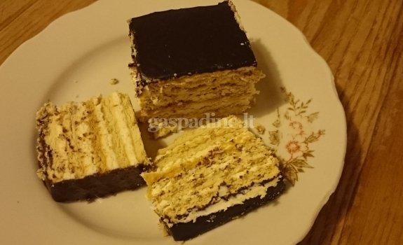 Sausainių ir varškės pyragas