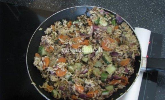 Grybų ir ryžių salotos