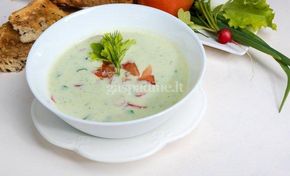 Šalta pavasarinė sriuba
