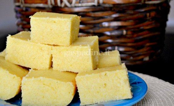 Kukurūzų duona su pasukomis