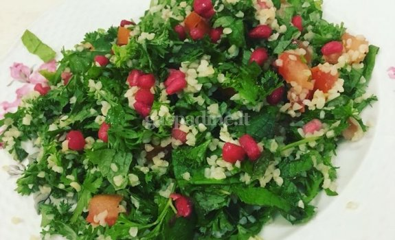 Tradicinės izraelietiškos salotos su bulguru