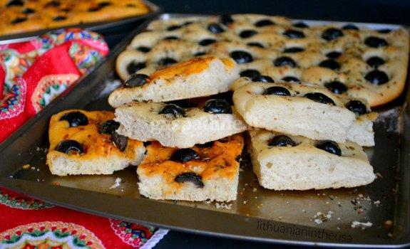 Focaccia duonelė su alyvuogėmis