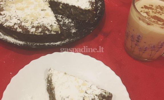 Paprastas aguonų pyragas