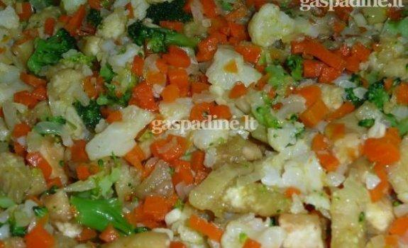 Baklažanai, įdaryti daržovėmis ir kalakutiena