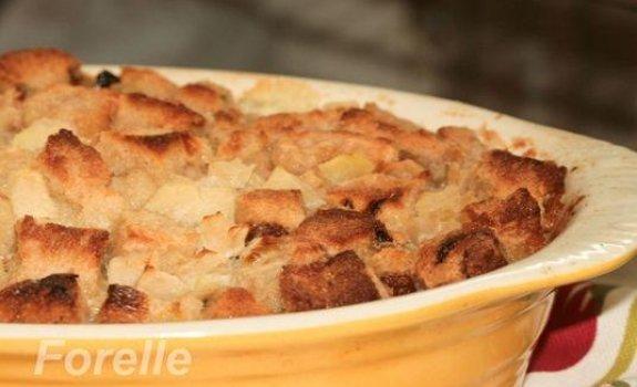 Prancuziškas duonos ir obuolių pudingas