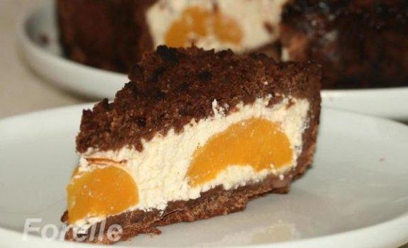 Pyragas su varške ir persikais