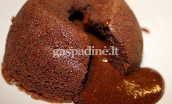 Angliškas šokoladinis pudingas