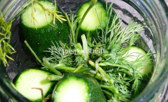Miestietiški rauginti agurkai