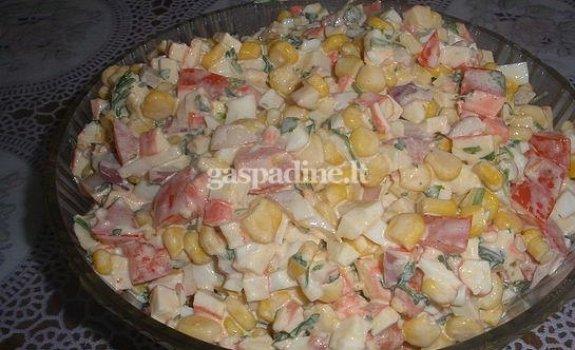 Kukurūzų ir daržovių salotos su majonezu
