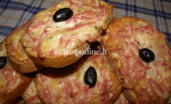 Gardūs orkaitėje kepti sumuštinukai