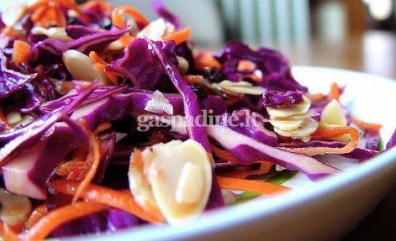Greitos daržovių salotos