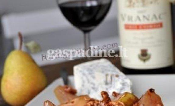 Kriaušė, riešutai, vynas ir gorgonzola