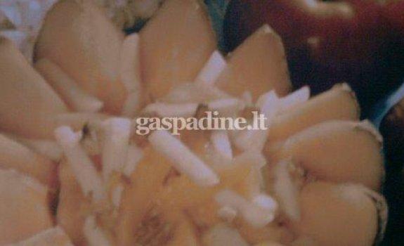 Saldžios moliūgų salotos