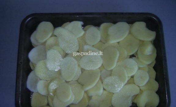 Bulvių ir kiaulienos apkepas