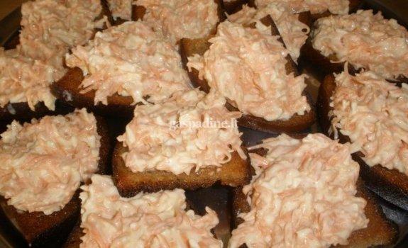Keptos duonus užkandėlės