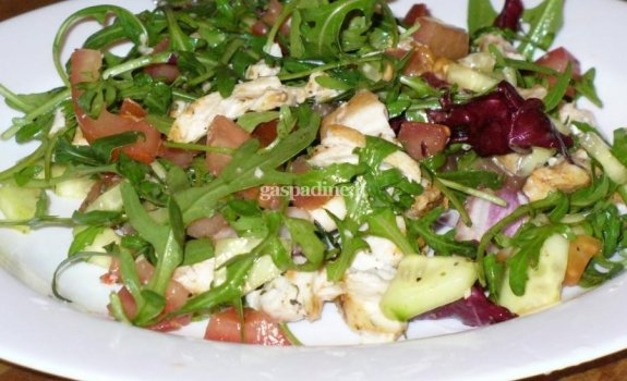 Pavasariškos salotos su vištiena