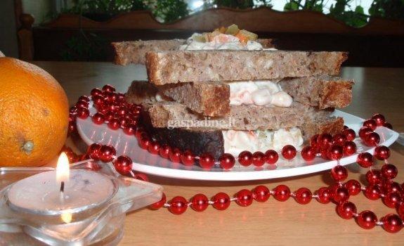 Tradicinės pupelių salotos