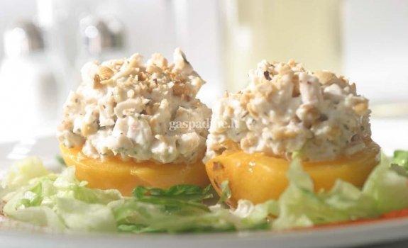 Įdaryti persikai su vištiena