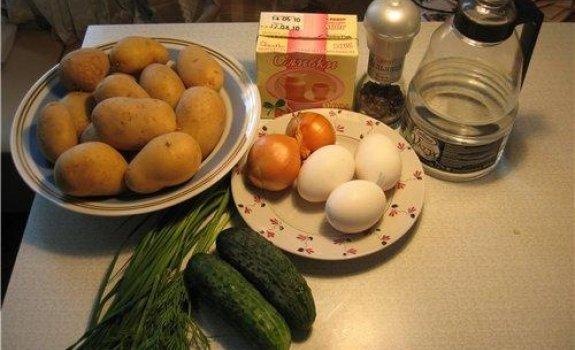 Kiaušiniai su bulvėmis ir krienais