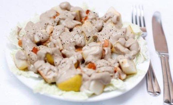 Jamaikietiškos vištienos salotos