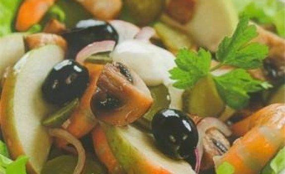 Krevečių salotos su obuoliais