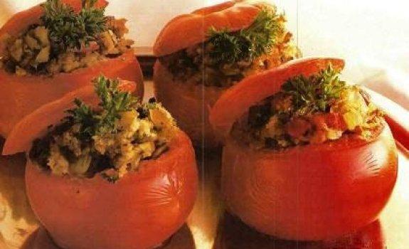 Pomidorai su menkių kepenėlėmis