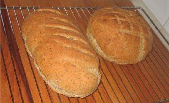 Duona su avižiniais dribsniais ir linų sėmenimis