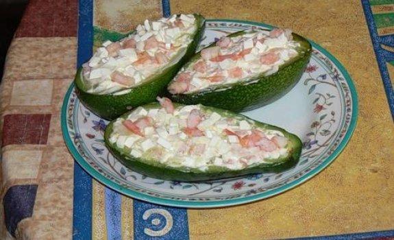 Kalmarų salotos su avokadais