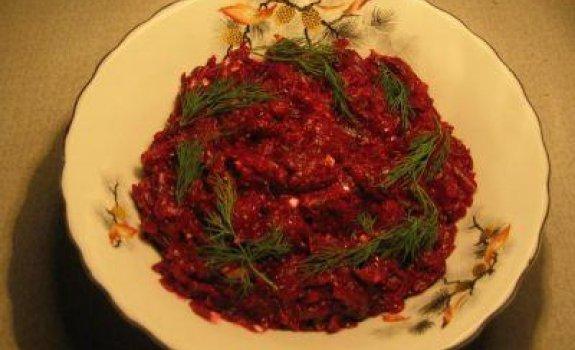 Burokėlių salotos su marinuotais grybais