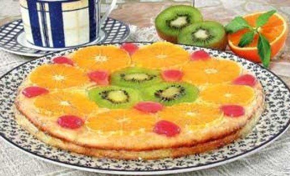 Želė tortas su biskvitu