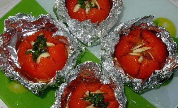 Kepti pomidorai su česnakais