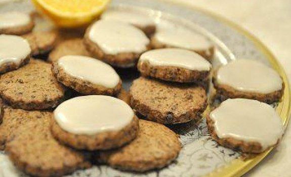 Šokoladiniai sausainiai su apelsinine glazūra
