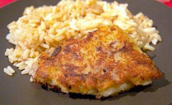 Žuvis paniruota bulvėse