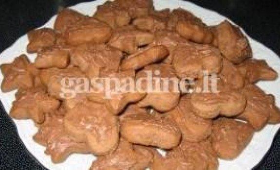 Šokoladiniai sausainiukai su kivi gabaliukais