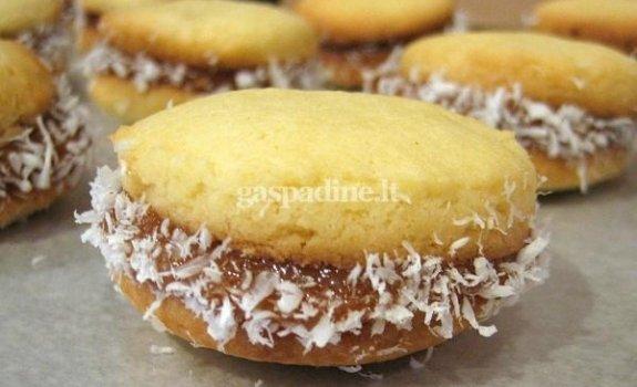 """Argentinietiški sausainiukai su karamele """"Alfajores"""""""