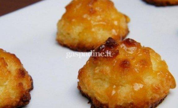 Kokosiniai sausainiukai su abrikosiniu glaistu