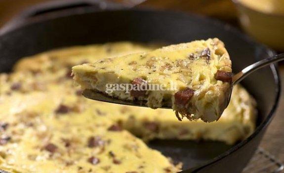 Argentinietiškas omletas su virtomis MAMOS dešrelėmis ir bulvėmis