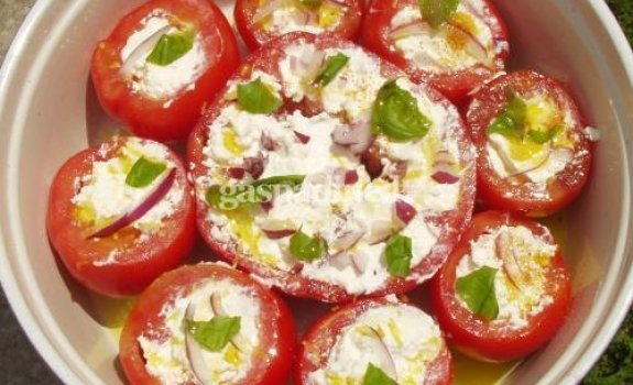 Tunu bei ryžiais įdaryti pomidorai